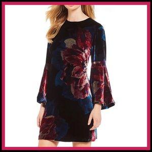 NWT TRINA TURK Astral Velvet Bell-Sleeve Dress